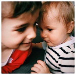 deux enfants - famille - parentalité