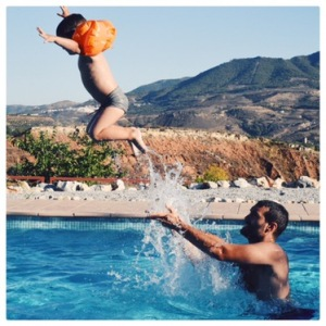 saut - piscine - vacances - enfants